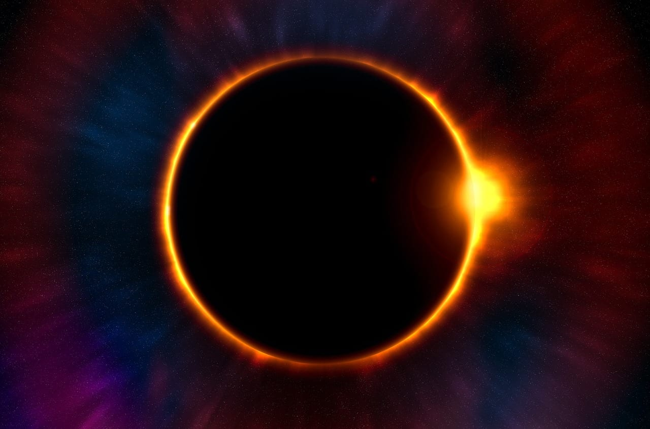 """Video: """"8 facts about eclipses you need to know"""""""