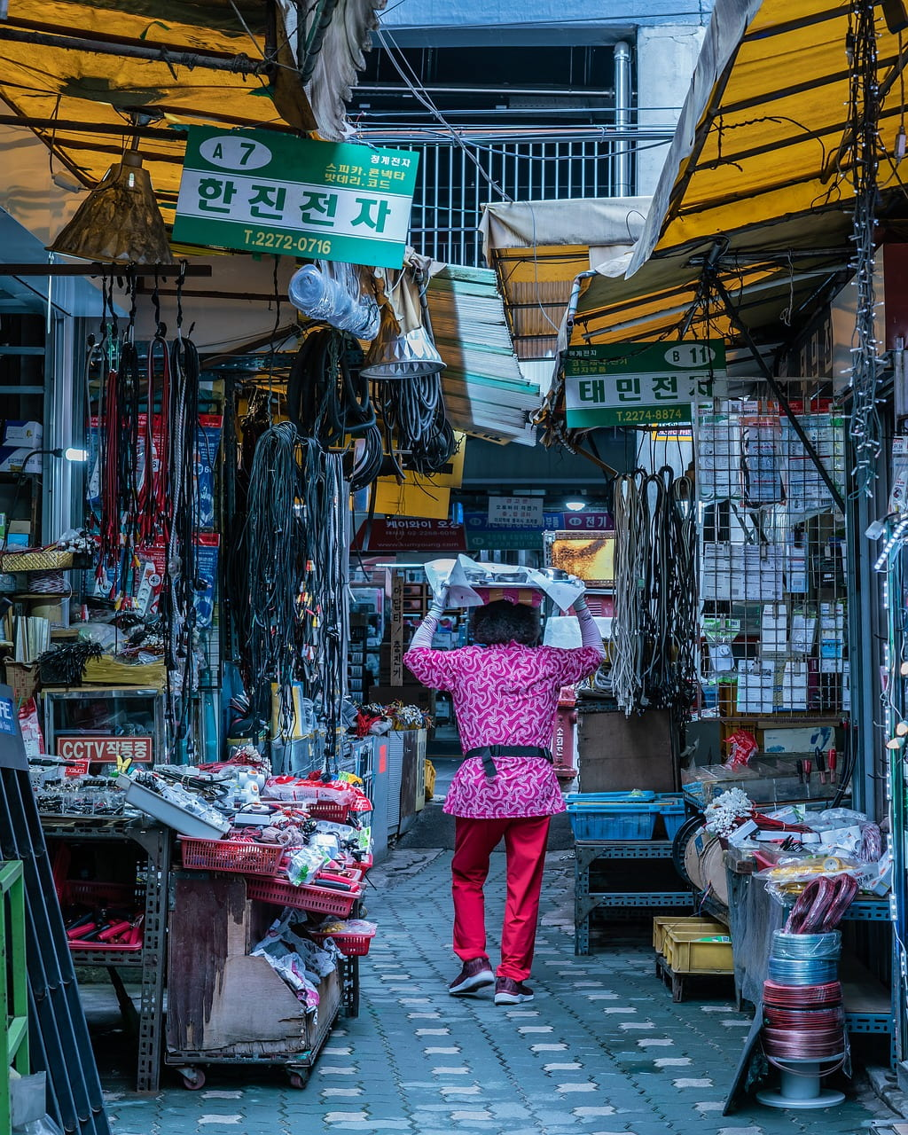 """Video: """"What Street Markets Look Like Around The World"""""""