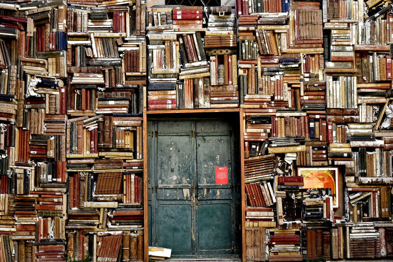 """A Beginning Collection Of Resources About Books As """"Windows, Mirrors & Sliding Glass Doors"""" – Please Suggest More"""