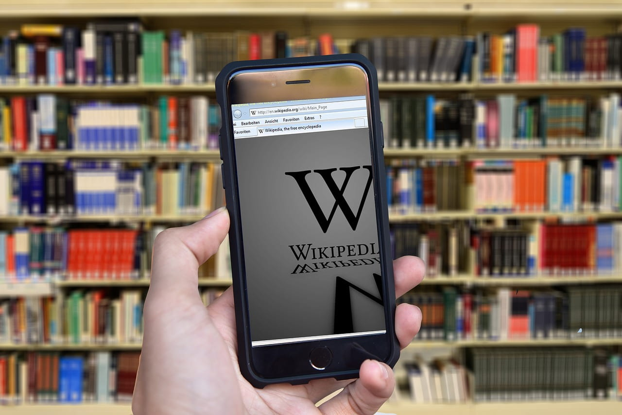 "Every Teacher Should Watch This Video: ""How to Use Wikipedia Wisely"""